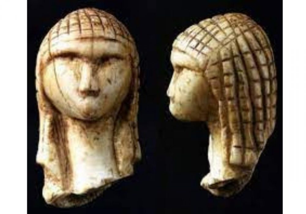 www. archaeology-travel.com The venus of Brassempouy is circa 26,000 years old